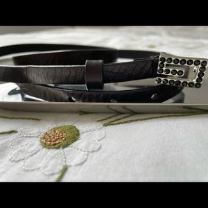 ❓ GUESS genuine leather belt with rhinestone